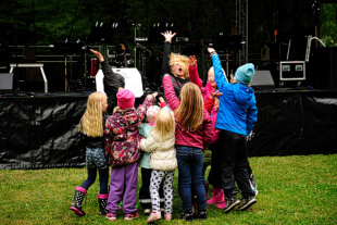 Barnunderhållning med Ronja på Musik vid Långsjön